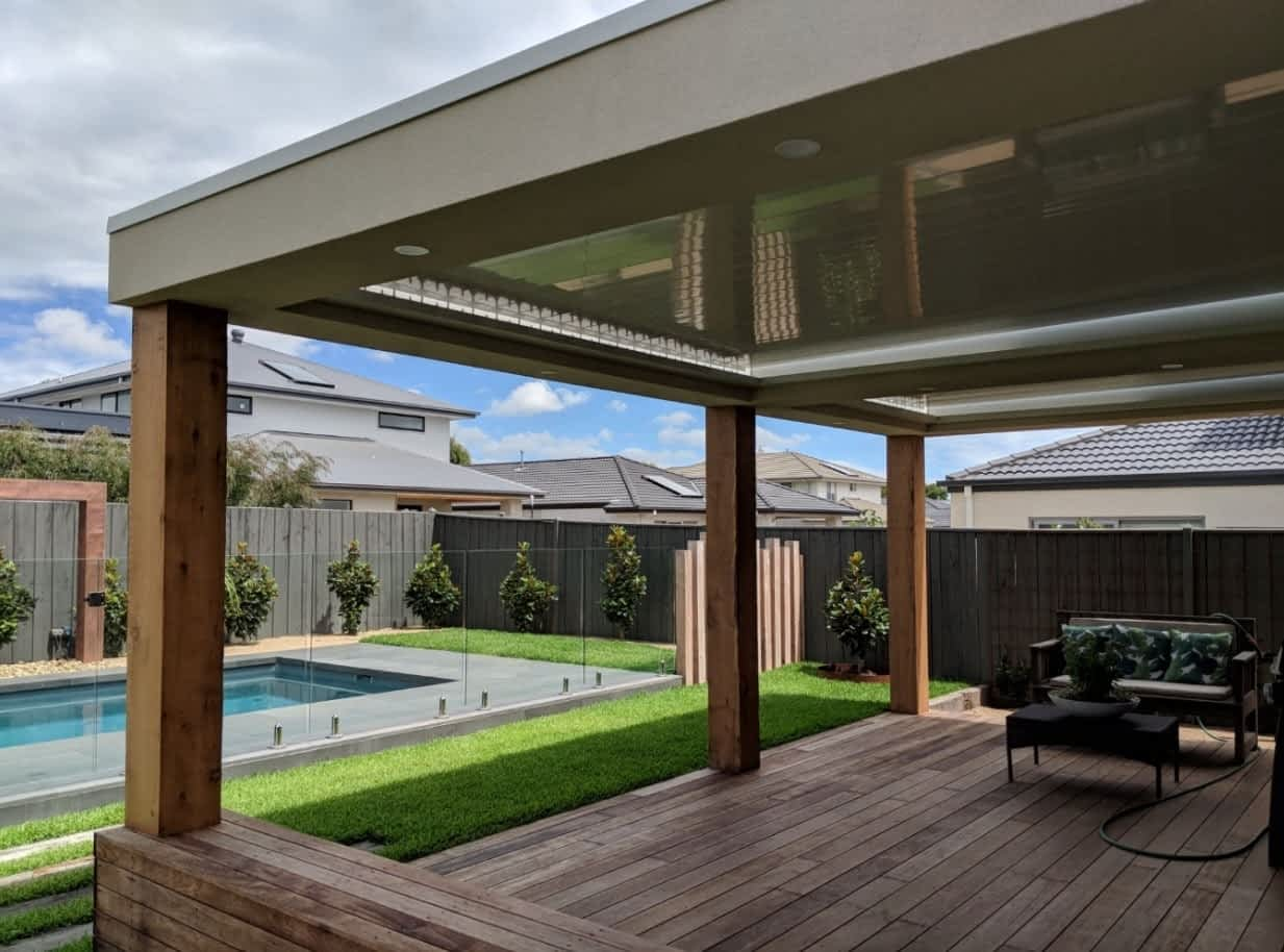 Create a Relaxing Outdoor Space with a Fixed Single Roof