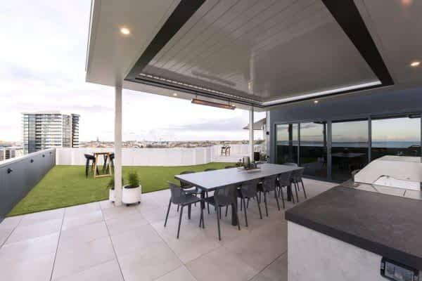Ultimate Louvre Verandah - Roof top apartment - Melbourne