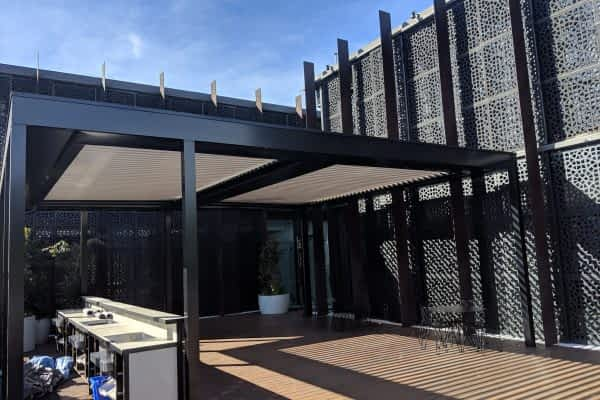 Deck Hotel & Roof Top bar - Ultimate Louvre P5